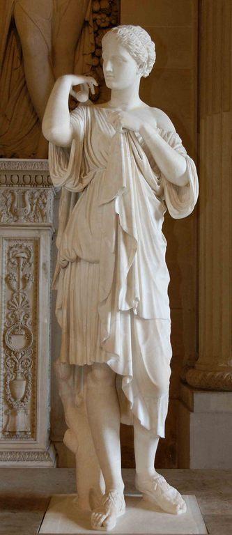 Artemis Gabii Louvre.jpg
