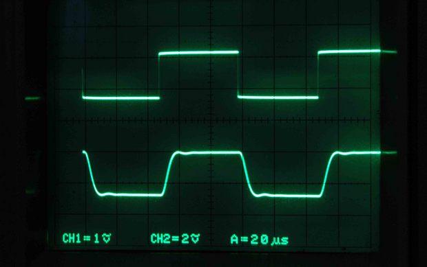 TRK-300_入力対出力_8Ω+0.22μF負荷_10KHz.jpg