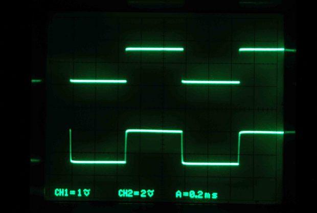 TRK-300_入力対出力_8Ω負荷_1KHz.jpg
